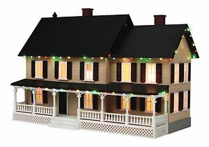 MTH 30-90519, O Gauge, #4 Country House w/Operating Christmas Lights