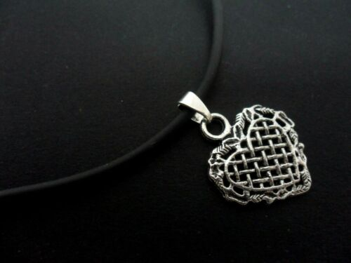 """A LADIES GIRLS BLACK RUBBER CORD 13-14/"""" CHOKER HEART NECKLACE NEW."""