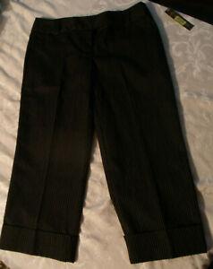 NEW-Copper-Key-Cuffed-Black-Pin-Stripe-Dress-Capri-Womens-Junior-size-5-NWT