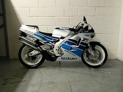 Suzuki RGV250 VJ22 with very low miles in great condition