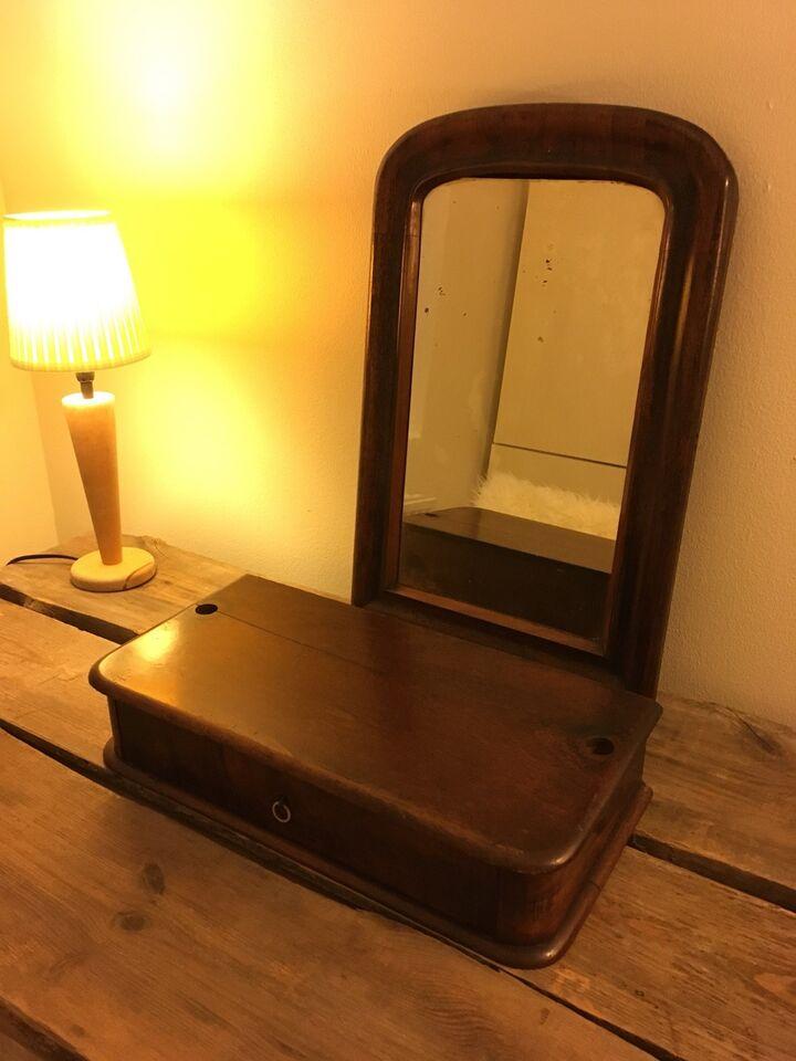 Spejl og skuffe