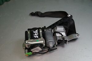 Mercedes-Benz-W204-Sicherheitsgurt-Anschnallgurt-vorne-rechts-610400400