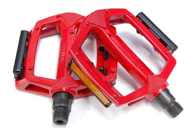 "RED Wellgo Metal BMX Pedals - 1/2"" (1 Piece Crank)"