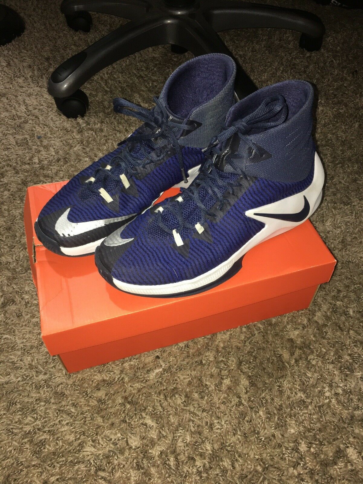 Mens Nike Zoom Clear Out Basketball Shoes Size 844372 10.5 Navy Blue White 844372 Size 445 fb4409