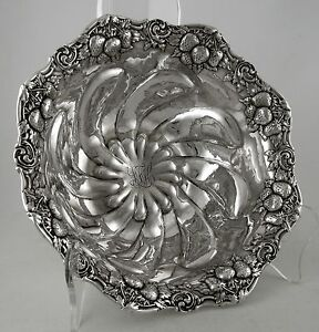 Sterling-Woodside-STRAWBERRY-pattern-bowl