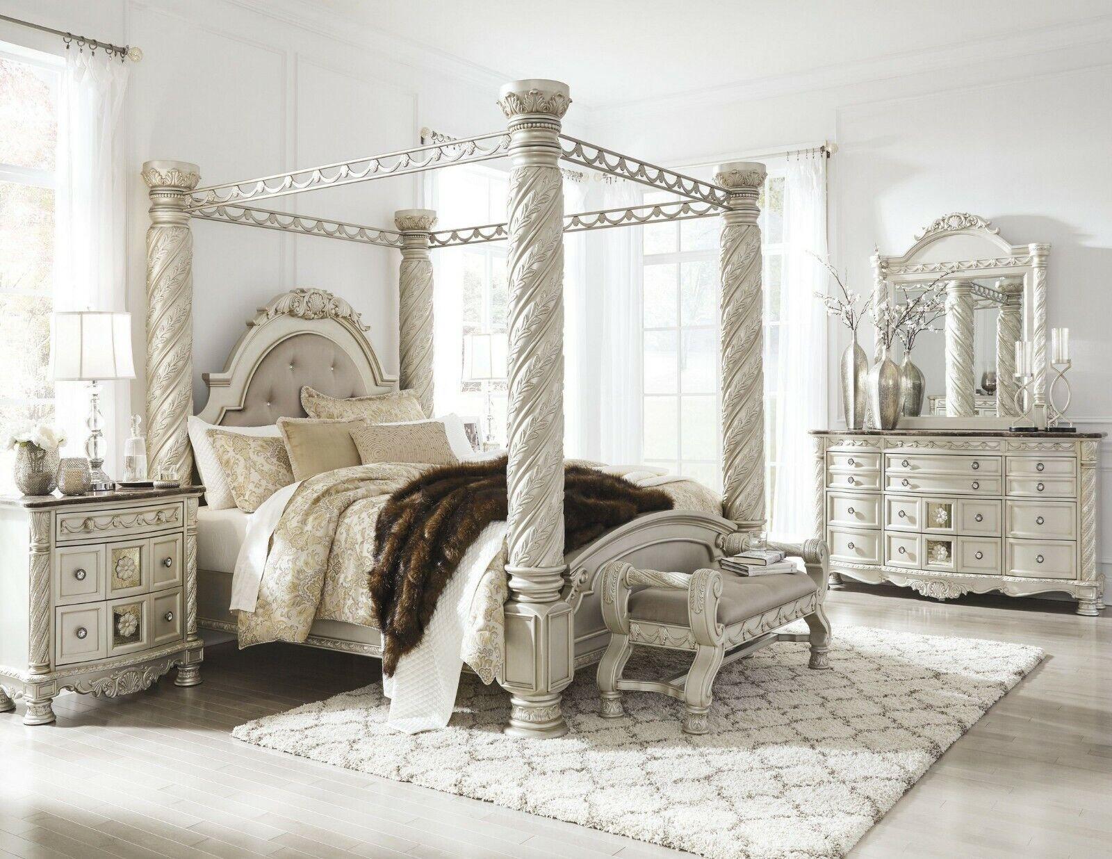 - Coaster Ilana 5 Piece California King Mirrored Canopy Bedroom Set