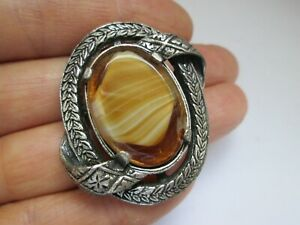 Vintage-Signed-Miracle-Scottish-Celtic-Tigers-Eye-Glass-Plaid-Brooch-Kilt-Pin