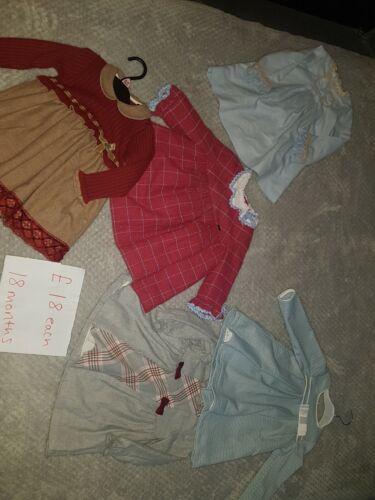 Bebé Niña Vestidos de española 18 mes £ 18 cada uno