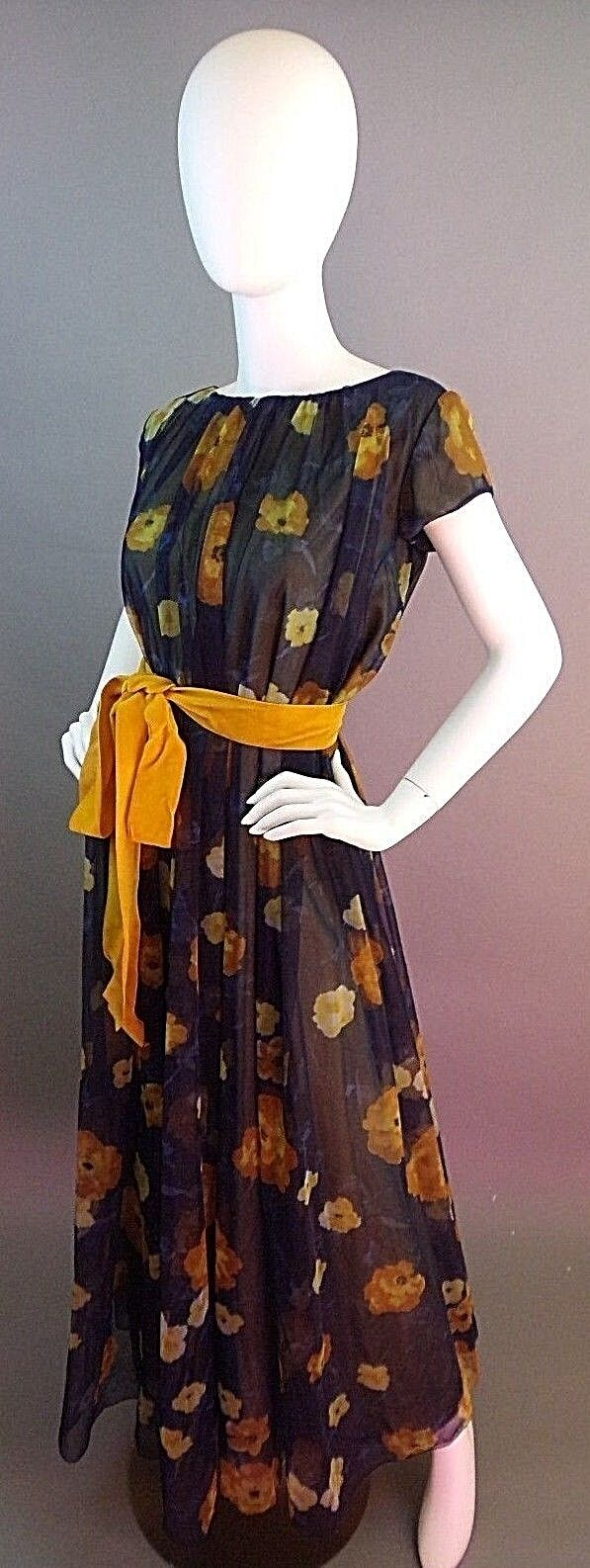 VINTAGE LUCIE ANN BEVERLY HILLS 1950s NIGHTGOWN - image 1