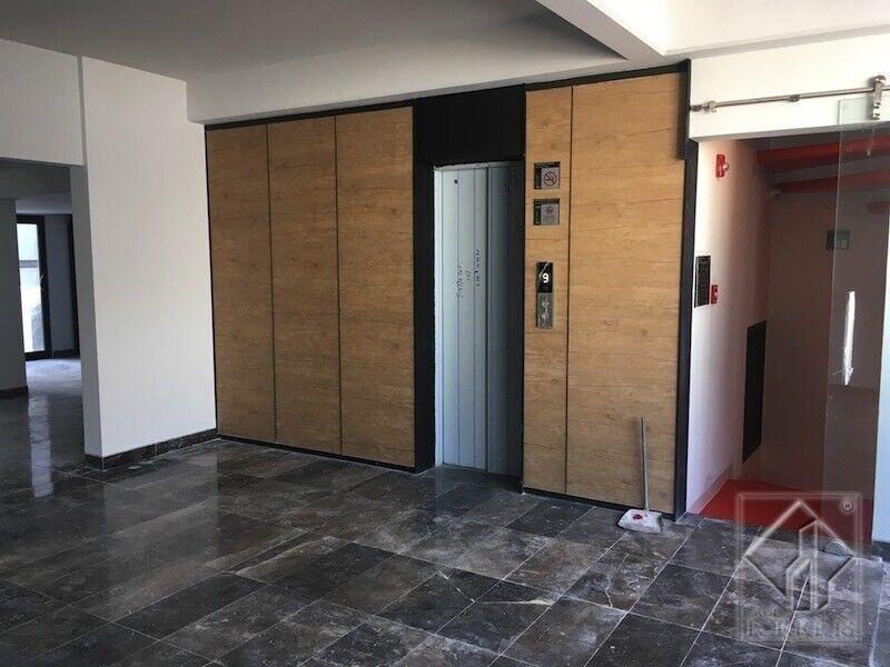 Oficina en Renta a 100 mts del Corredor Reforma