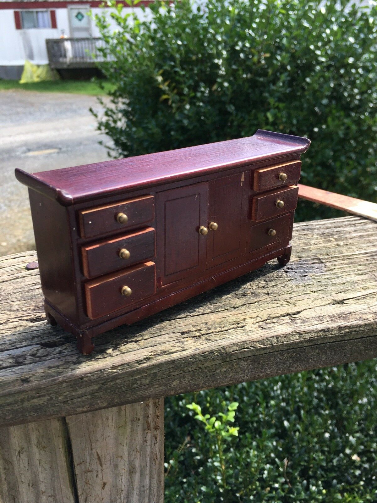 Dollhouse Miniatures Furniture 1/12: 12073mh Mahogany Dresser