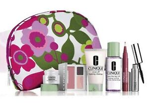 Clinique-Repairwear-Intensive-Eye-Shadow-Palette-Lip-Smoothie-and-More-Gift-Set