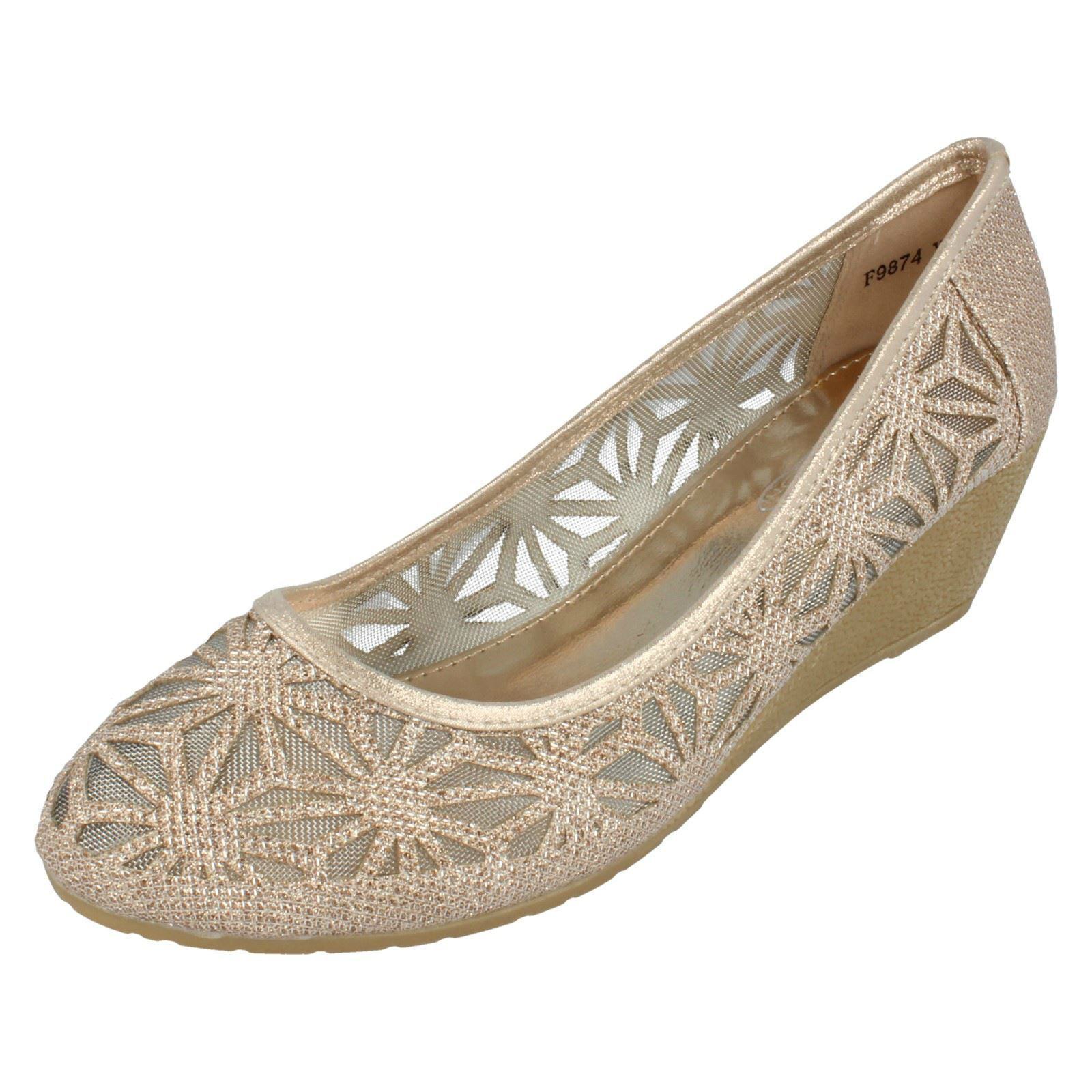Spot On F9874 Ladies Court Light Gold Glitter Effect Ballerina Court Ladies Shoes ec0fd4