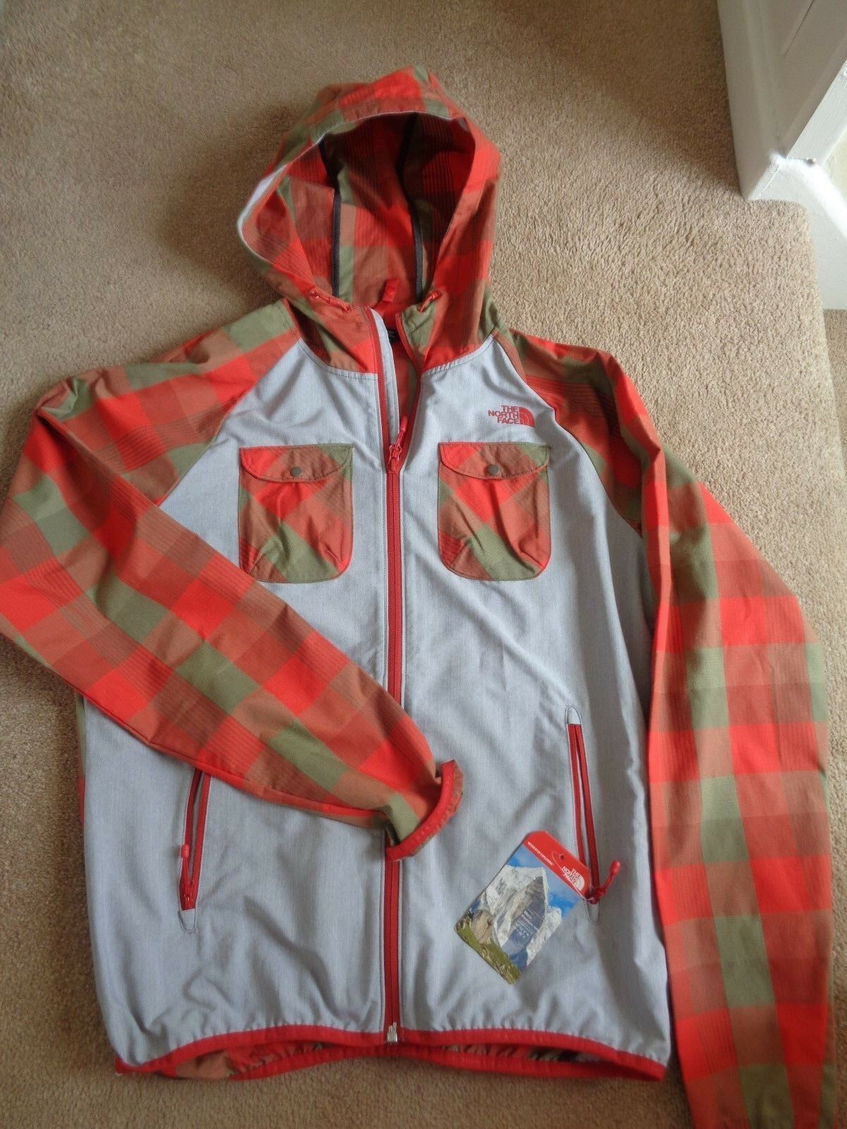The North Face Sample Flare hooded Bomber red plaid Size Medium NEW+TAGS