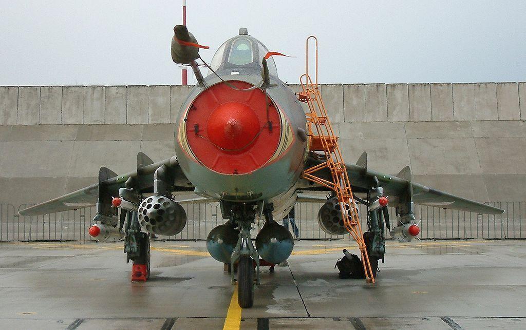 Sukhoi Su-17 22 M4 Fitter-K en en en Urss, Alemania (1 48 Kit de Modelismo, Smer 0856) 3c9481
