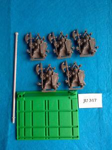 Battle-Masters-5-Guerreros-del-Caos-con-Base-de-Unidad-JU317