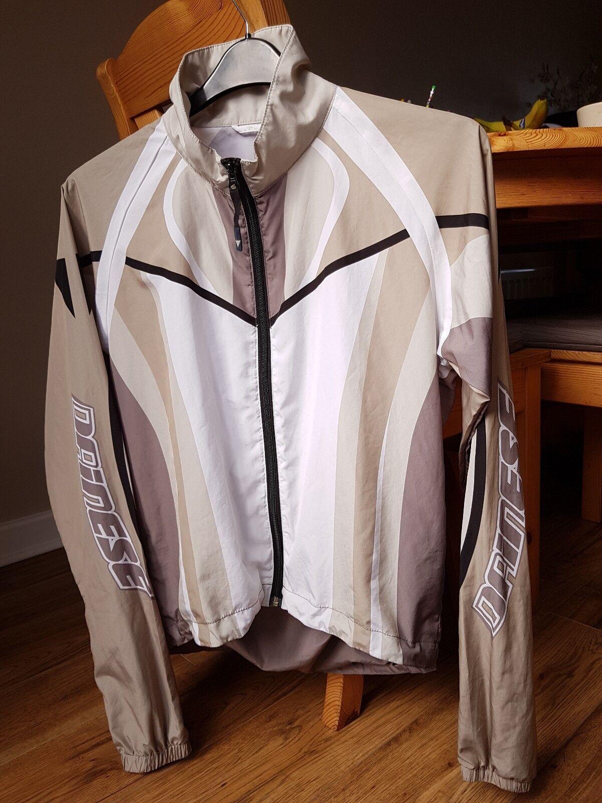 Dainese Ultra Leggero (185g) Uomo Ciclismo Giacca a Vento. S S S f61d83