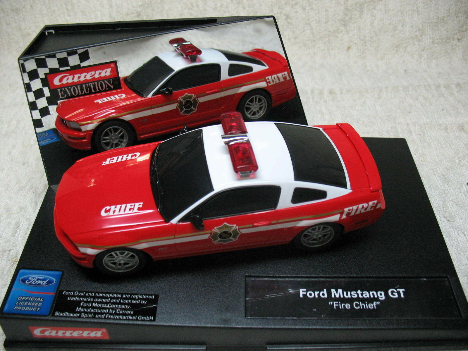 1  32 2005 bilRERA FIRE CHEF VERSION MUSTANG GT RÖR OCH VITT SLOT bil -RARE