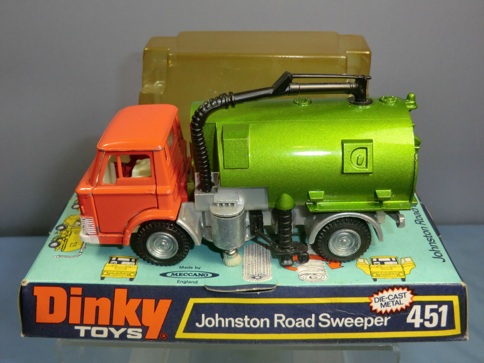 VINTAGE DINKY TOYS  MODEL No.451      JOHNSTON ROAD SWEEPER        VN MIB