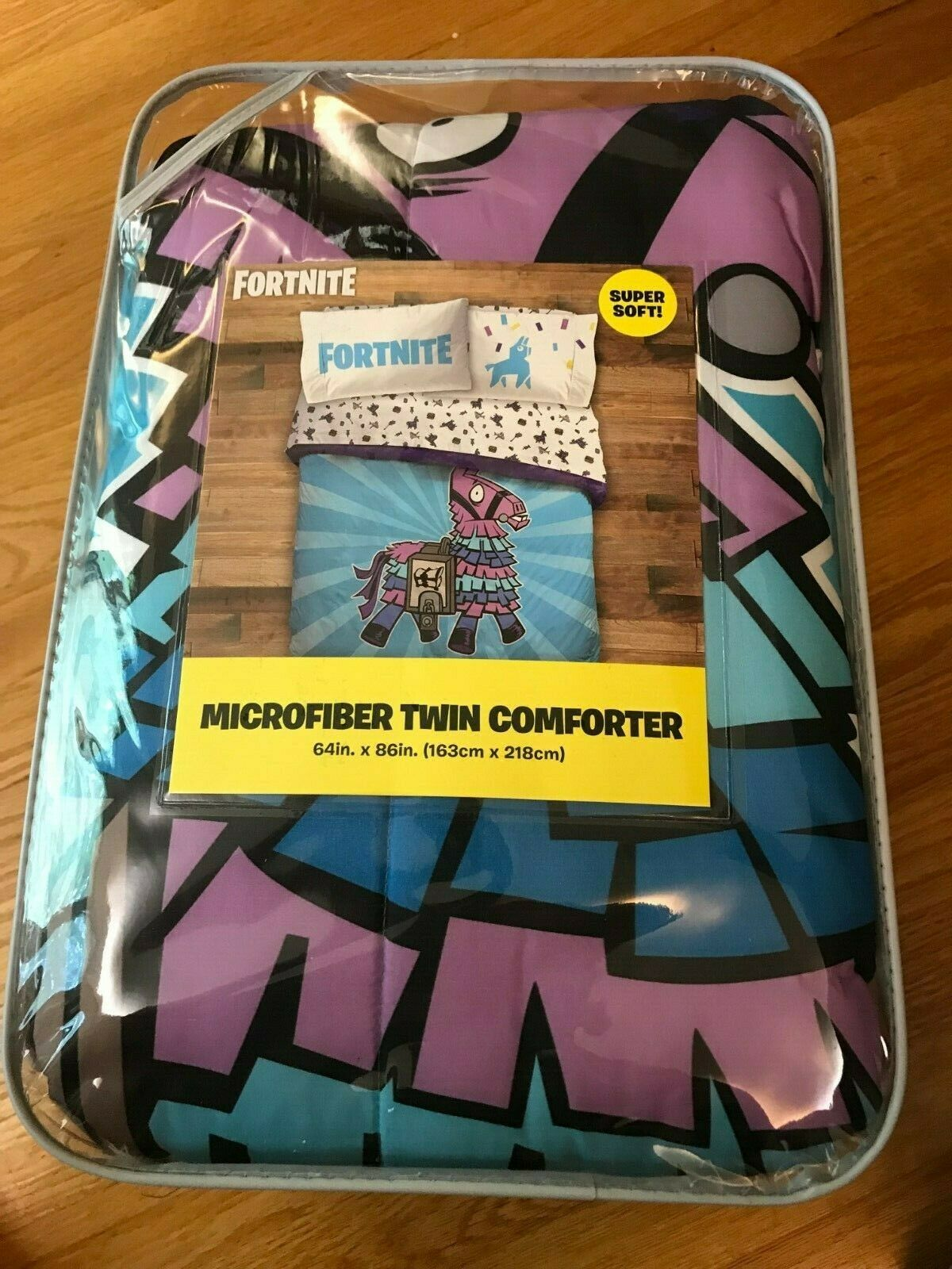 Fortnite Microfiber Twin Comforter, brand new, Llama