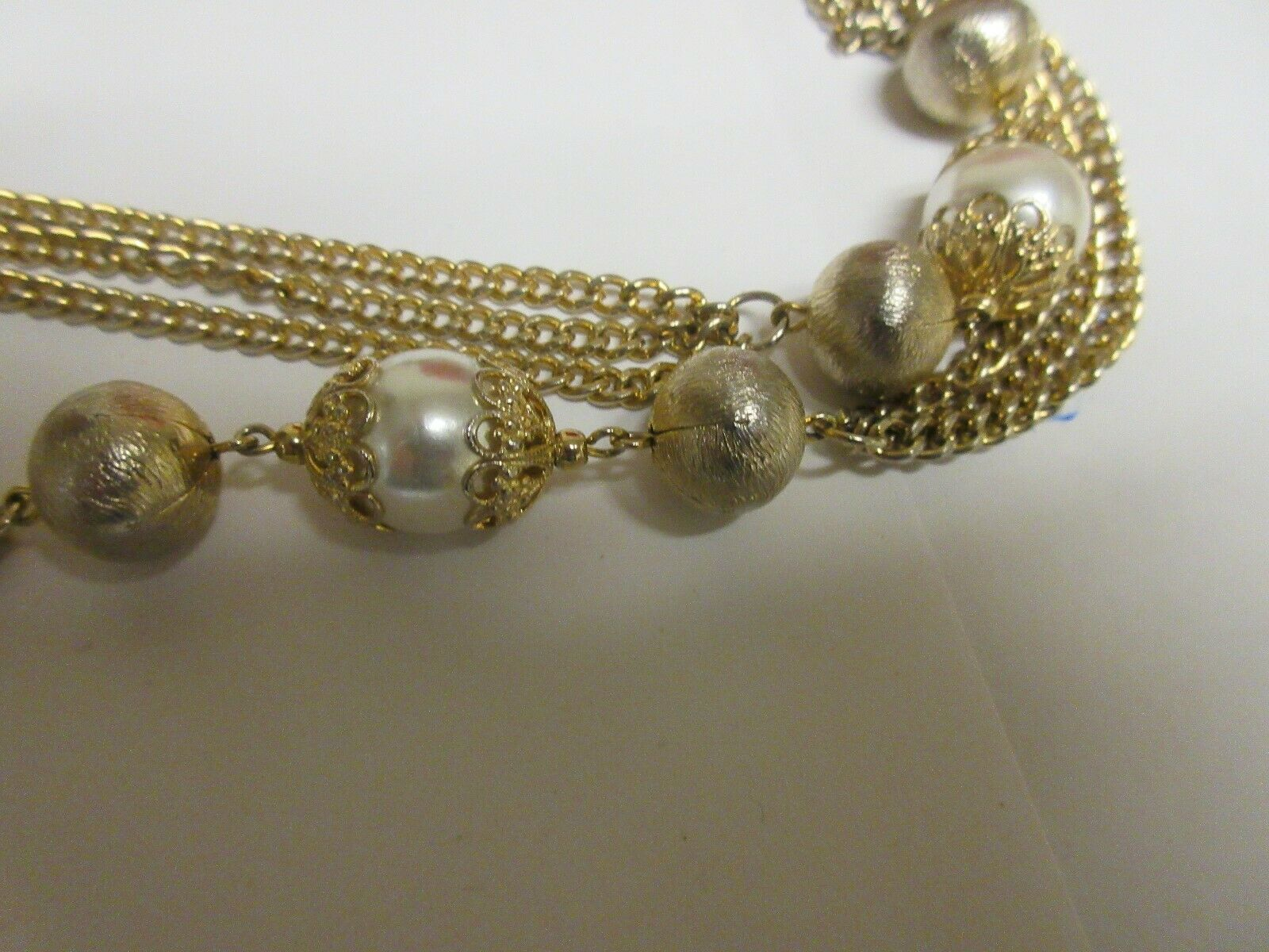 Costume Jewelry , NECKLACE , Gold / Pearl , 6 Strand ,