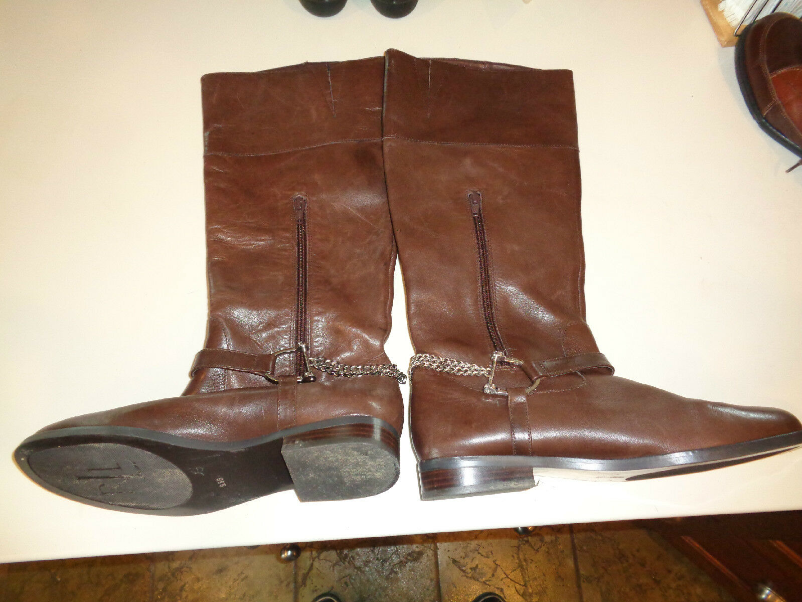 RALPH LAUREN Leather Jacqui Chain Fashion Boots Women Size 9.5 (US) MSRP