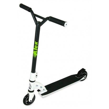 Prénom flammes personnsalible bicyclette trottinette moto sticker vert 12 cm