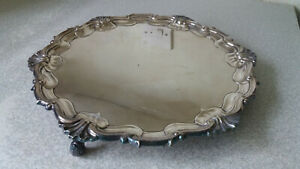 LOVELY-VINTAGE-SILVER-PLATED-DRINKS-SERVING-TRAY-10-1-2-INCHES-DIAMETER