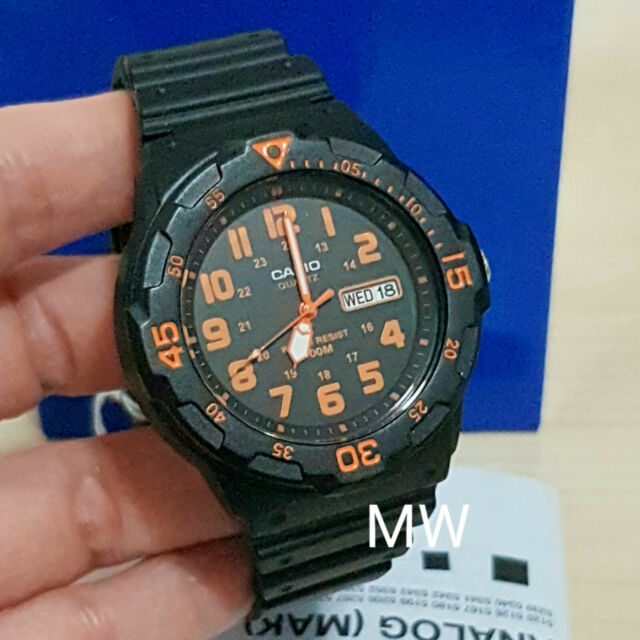New Casio Men's Teens Watch 100M Date Day Quartz Analog Black Rubber MRW-200H-4B