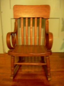 antique rocking chair for child c 1920s bent wood arms molded seat ebay. Black Bedroom Furniture Sets. Home Design Ideas