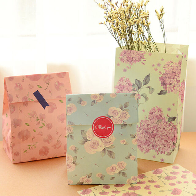 12 Pcs Holiday Wrap Paper Bags Party Wedding Gift Present Paper Bag + Stickers.