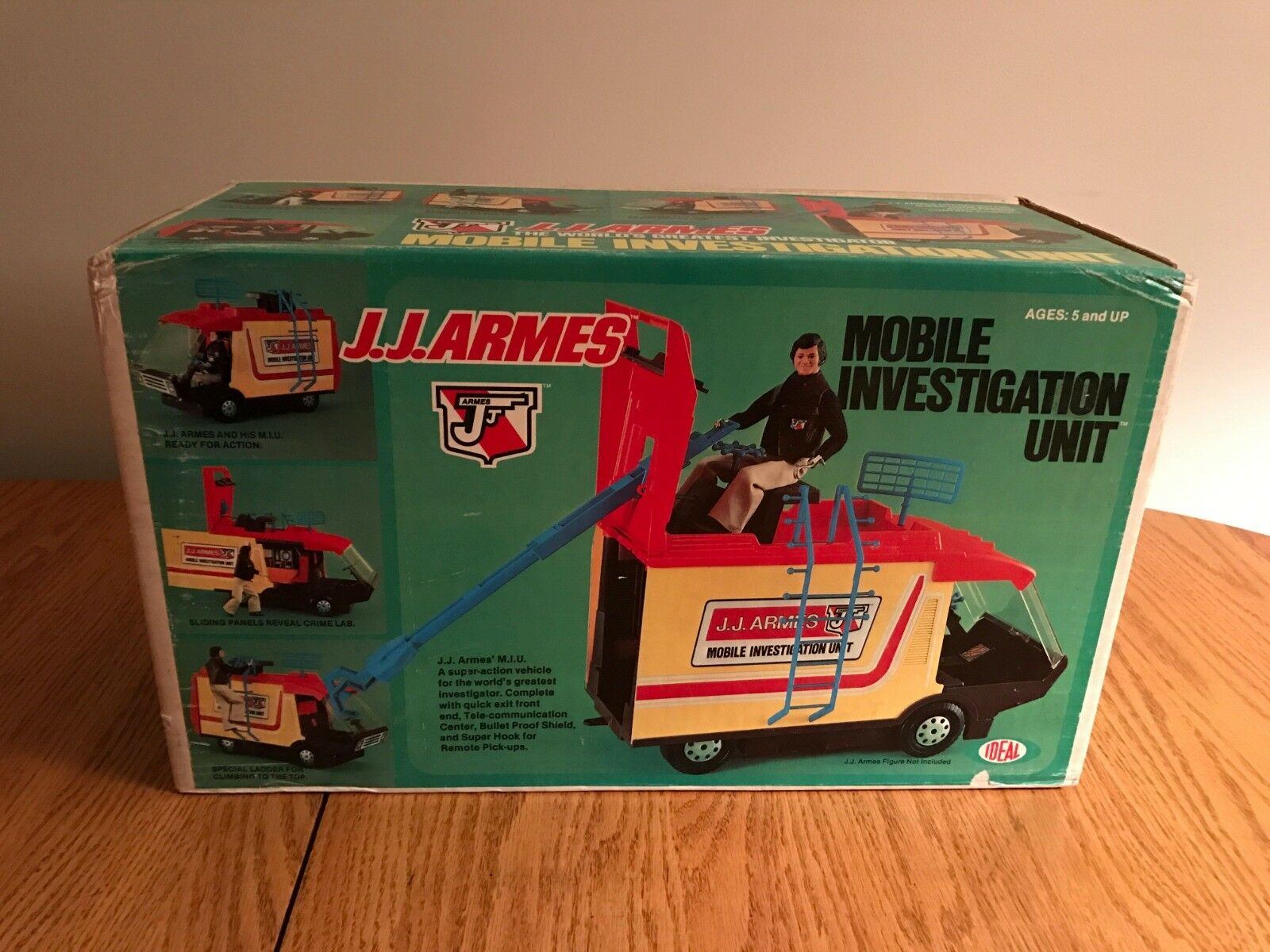 RARE VINTAGE 1976 IDEAL J.J. ARMES MOBILE INVESTIGATION UNIT VAN MIB NEW NRFB