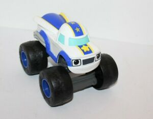 Blaze-And-The-Monster-Machines-Darington-Battery-Operated-Talking-Toy-Car-Mattel