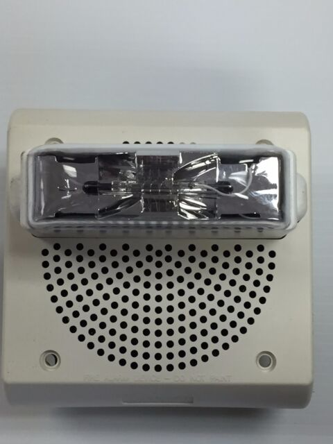 cooper wheelock et70-24135w-fw 114875 fire alarm speaker strobe, white