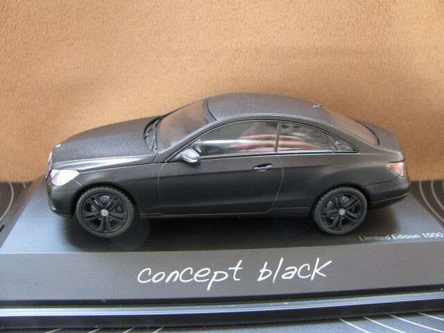1 43 Mercedes Benz Clase E Coupe Diecast nero Mate