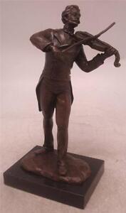 Bronze Figure of Johan Strauss II - 'The Waltz King' Stadtpark Vienna Austria