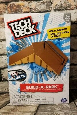 Tech Deck Fingerboard Park Ramps Flat Ramp Grind Rail