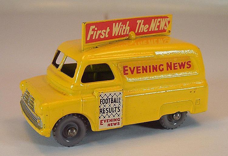 Matchbox regular Wheels nº 42 a Bedford evening news giallo gpw Lesney 2