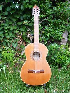 Guitarra Clásica Antigua Maestro Assai Modelo Cl 110