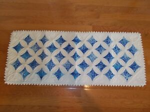 Handmade-Quilted-Blue-amp-Creme-Table-Runner-Cathedral-Window-Border-Lace