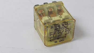 RH3BUAC120V NEW IN BOX IDEC RH3B-U-AC120V
