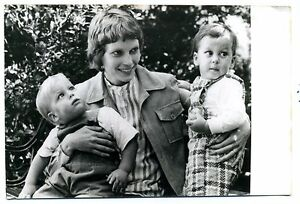 Film-mia Farrow and Children. photo B./n. gelatinobromuro de (keystone) 1971