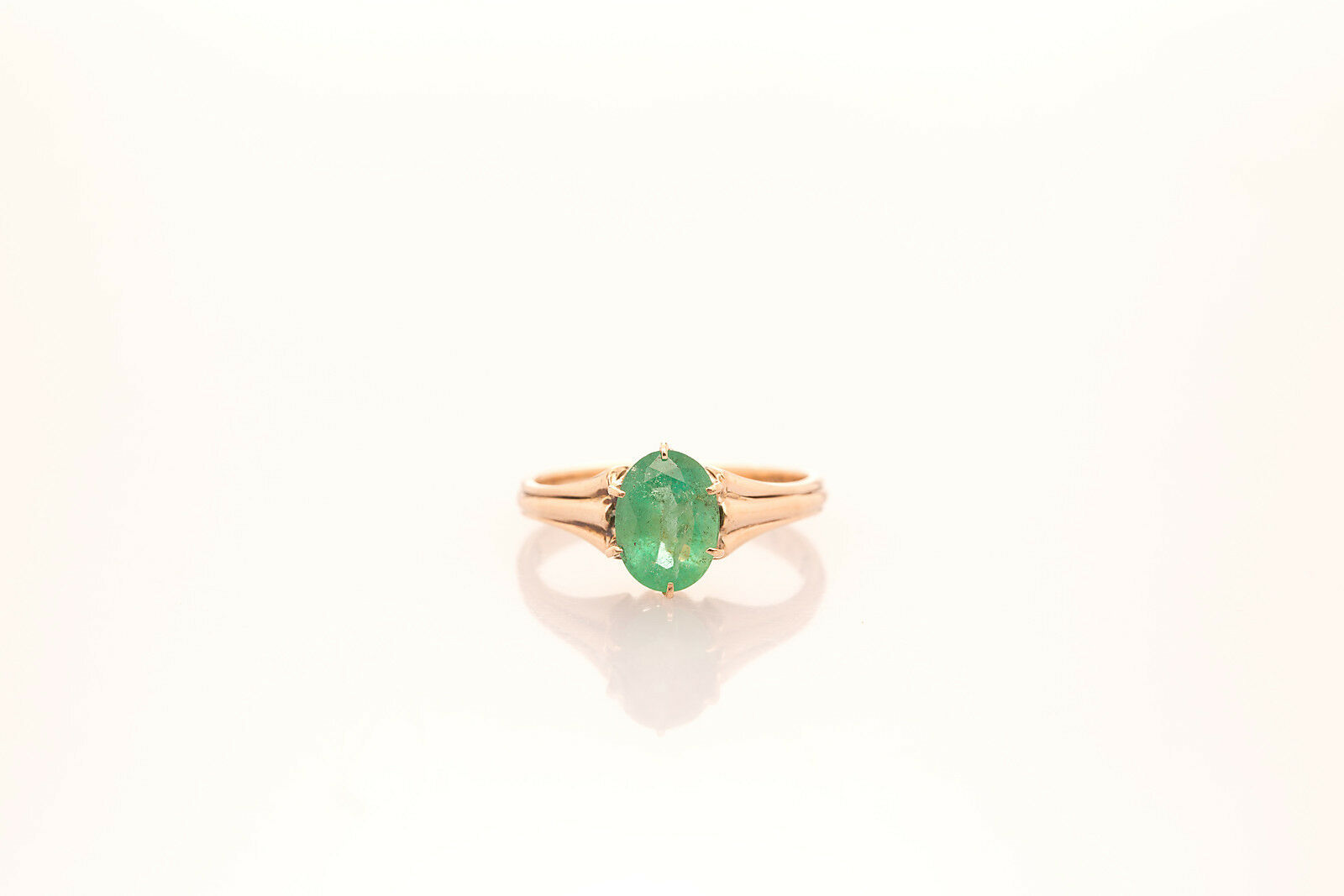Antique 1930s  3400 2ct Colombian Emerald 14k pink gold Ring