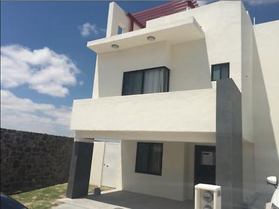 ESTRENA Casa AMUEBLADA en Zibata. 3 Hab con Roof Garden.