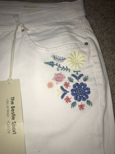 NWT Women's Vintage America Size 16 White Embroidered Shorts Super Cute!