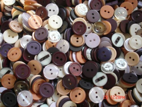 HUGE COLLECTION 150*MIXED COLORFUL NEW BUTTONS 5//8in