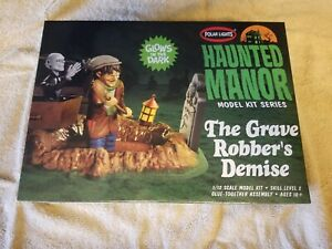 Polar Lights 976 1//12 Haunted Manor//The Grave Robber s Demise