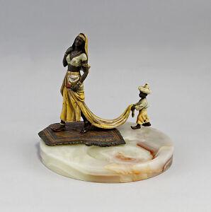 9937728-Figuerliche-Onyx-Schale-Bronze-Orientalin-mit-Mohr