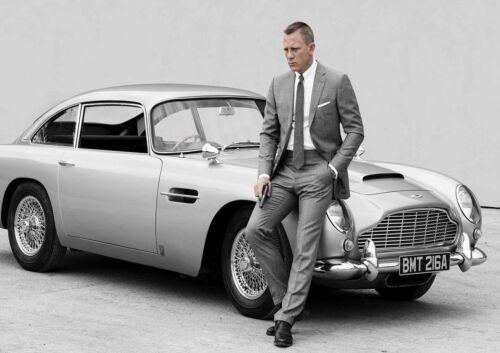 STICKER AUTOCOLLANT POSTER A4  FILM MOVIE JAMES BOND 007.SKYFALL .ASTON MARTIN.