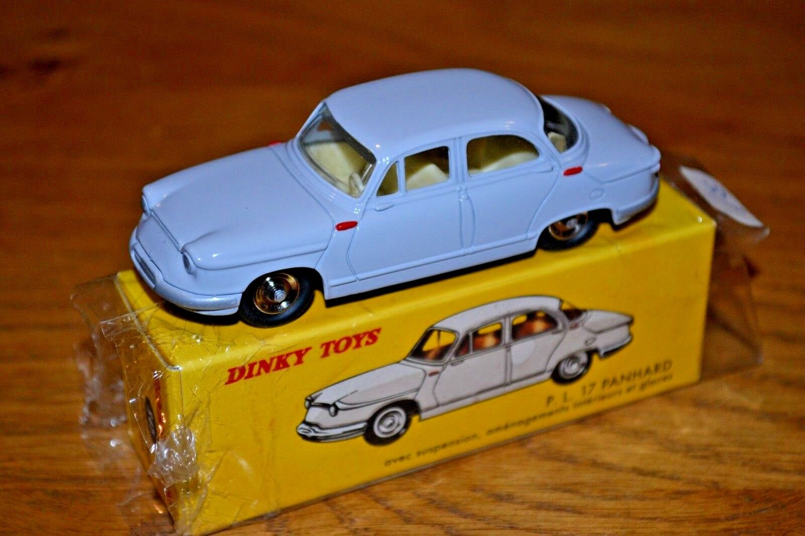 2008 French Dinky Toys Atlas Edition Diecast No. 547 PL 17 Panhard
